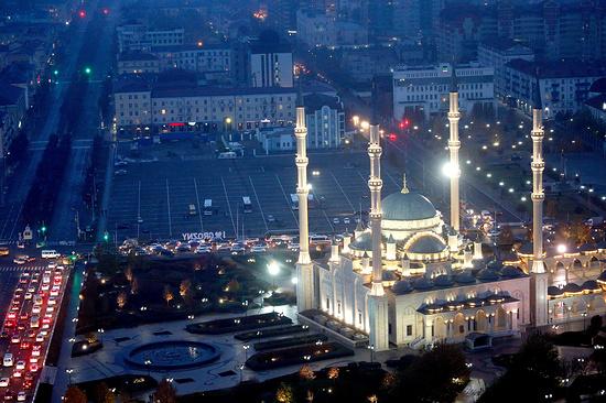 Турпоток в Чечню по итогам 2016 года вырос в два раза по сравнению с 2015-м  (ЭТО КАВКАЗ)